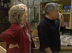 Cheryl Stark, Lou Carpenter in Neighbours Episode 2001