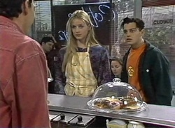 Stephen Gottlieb, Phoebe Bright, Rick Alessi in Neighbours Episode 2001