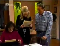 Pam Willis, Annalise Hartman, Doug Willis in Neighbours Episode 2002