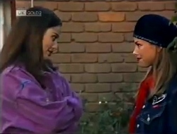 Beth Brennan, Lucy Robinson in Neighbours Episode 2002