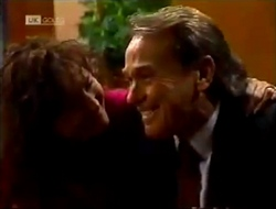 Pam Willis, Doug Willis in Neighbours Episode 2002