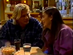 Brad Willis, Beth Brennan in Neighbours Episode 2002