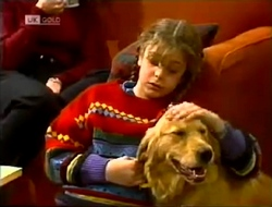 Hannah Martin, Holly in Neighbours Episode 2003