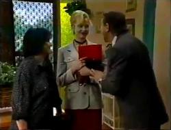 Pam Willis, Annalise Hartman, Doug Willis in Neighbours Episode 2004