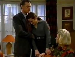 Paul Robinson, Julie Robinson, Helen Daniels in Neighbours Episode 2004