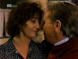 Pam Willis, Doug Willis in Neighbours Episode 2004
