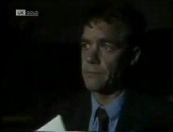 Paul Robinson in Neighbours Episode 2004