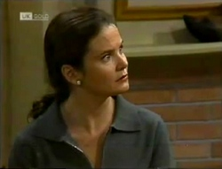 Julie Robinson in Neighbours Episode 2005