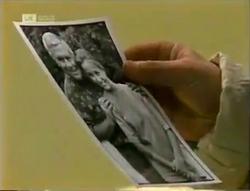 Lou Carpenter, Lauren Turner in Neighbours Episode 2005