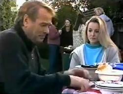 Doug Willis, Pam Willis, Gaby Willis, Beth Brennan, Lauren Turner, Brad Willis in Neighbours Episode 2005
