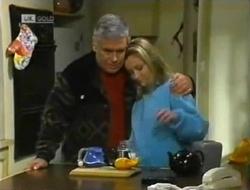 Lou Carpenter, Lauren Turner in Neighbours Episode 2006