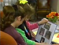 Julie Robinson, Hannah Martin in Neighbours Episode 2006