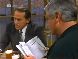 Doug Willis, Lou Carpenter in Neighbours Episode 2006