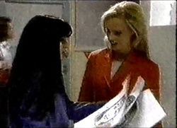 Susan Kennedy, Lisa Elliot in Neighbours Episode 2802