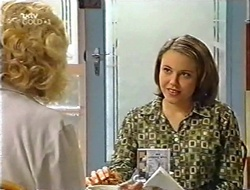 Madge Bishop, Libby Kennedy in Neighbours Episode 2998