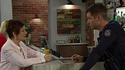 Susan Kennedy, Mark Brennan in Neighbours Episode 7441