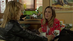 Steph Scully, Sonya Rebecchi in Neighbours Episode 7442
