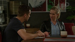 Mark Brennan, Ellen Crabb in Neighbours Episode 7444