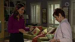 Elly Conway, Susan Kennedy in Neighbours Episode 7446