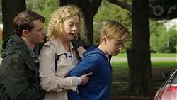 Ari Philcox, Belinda Bell, Charlie Hoyland in Neighbours Episode 7447