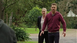 Ellen Crabb, Mark Brennan in Neighbours Episode 7447
