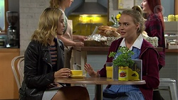 Madison Robinson, Xanthe Canning in Neighbours Episode 7449