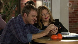 Gary Canning, Terese Willis in Neighbours Episode 7449
