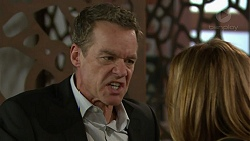 Paul Robinson, Terese Willis in Neighbours Episode 7449