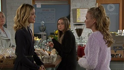Madison Robinson, Piper Willis, Xanthe Canning in Neighbours Episode 7451