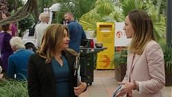 Terese Willis, Sonya Mitchell in Neighbours Episode 7451