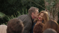 Gary Canning, Terese Willis in Neighbours Episode 7451