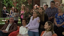 Karl Kennedy, Susan Kennedy, Xanthe Canning, Piper Willis, Sonya Mitchell, Gary Canning, Sheila Canning in Neighbours Episode 7451