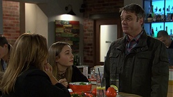 Terese Willis, Piper Willis, Gary Canning in Neighbours Episode 7453