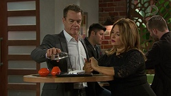 Paul Robinson, Terese Willis in Neighbours Episode 7455