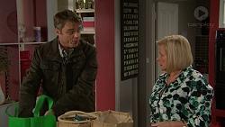 Gary Canning, Sheila Canning in Neighbours Episode 7457