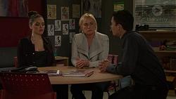 Paige Smith, Lauren Turner, Jack Callahan in Neighbours Episode 7458