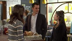 Paige Smith, Jack Callahan, Nikki Jackson in Neighbours Episode 7460