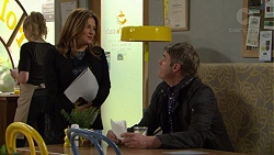 Terese Willis, Gary Canning in Neighbours Episode 7461