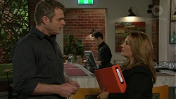 Gary Canning, Terese Willis in Neighbours Episode 7470
