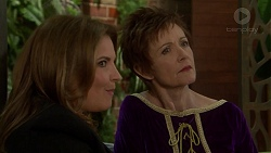 Terese Willis, Susan Kennedy in Neighbours Episode 7471