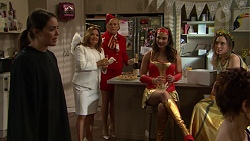 Paige Smith, Terese Willis, Lauren Turner, Amy Williams, Sonya Rebecchi, Susan Kennedy in Neighbours Episode 7471