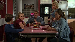 Jimmy Williams, Xanthe Canning, Gary Canning, Sheila Canning, Amy Williams in Neighbours Episode 7482