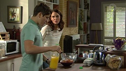 Angus Beaumont-Hannay, Elly Conway in Neighbours Episode 7482