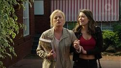 Lauren Turner, Paige Novak in Neighbours Episode 7484