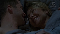 Mark Brennan, Steph Scully in Neighbours Episode 7485