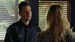 Mark Brennan, Simone Bader in Neighbours Episode 7488
