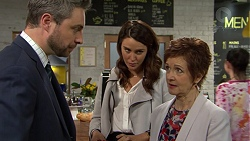 Wayne Baxter, Elly Conway, Susan Kennedy in Neighbours Episode 7489