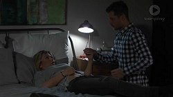 Steph Scully, Mark Brennan in Neighbours Episode 7490