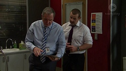Karl Kennedy, Toadie Rebecchi in Neighbours Episode 7490