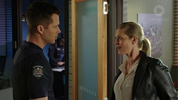Mark Brennan, Ellen Crabb in Neighbours Episode 7490